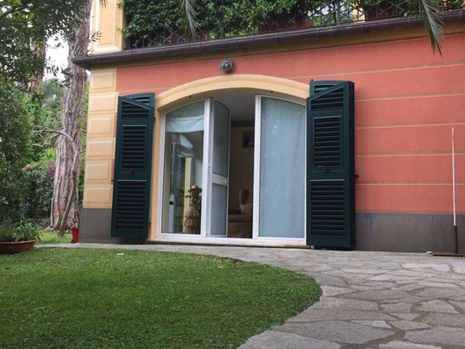 Santa Margherita: appartamento in villa con giardino privato