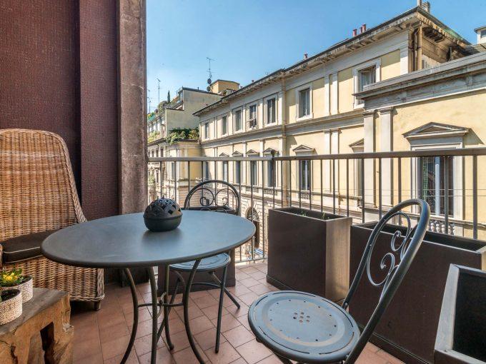 Turati adiac. raffinato appartamento con terrazzini e box