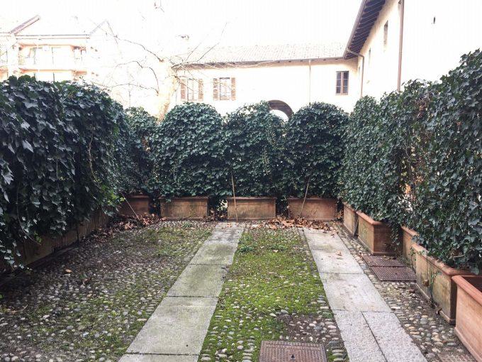 trilocale con giardino in contesto del 1500