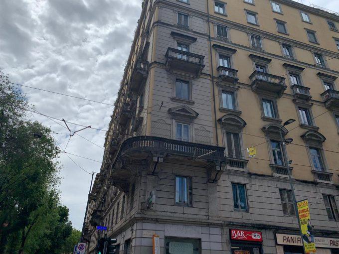 Piazza 5 giornate – ufficio o abitazione da ristrutturare con vista sulla piazza
