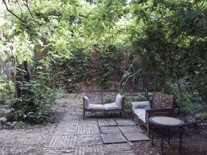 Romana: elegante abitazione con 100 mq di giardino privato