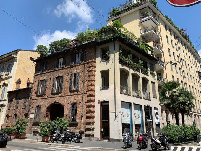 San Babila:  ufficio di tre locali in palazzo storico