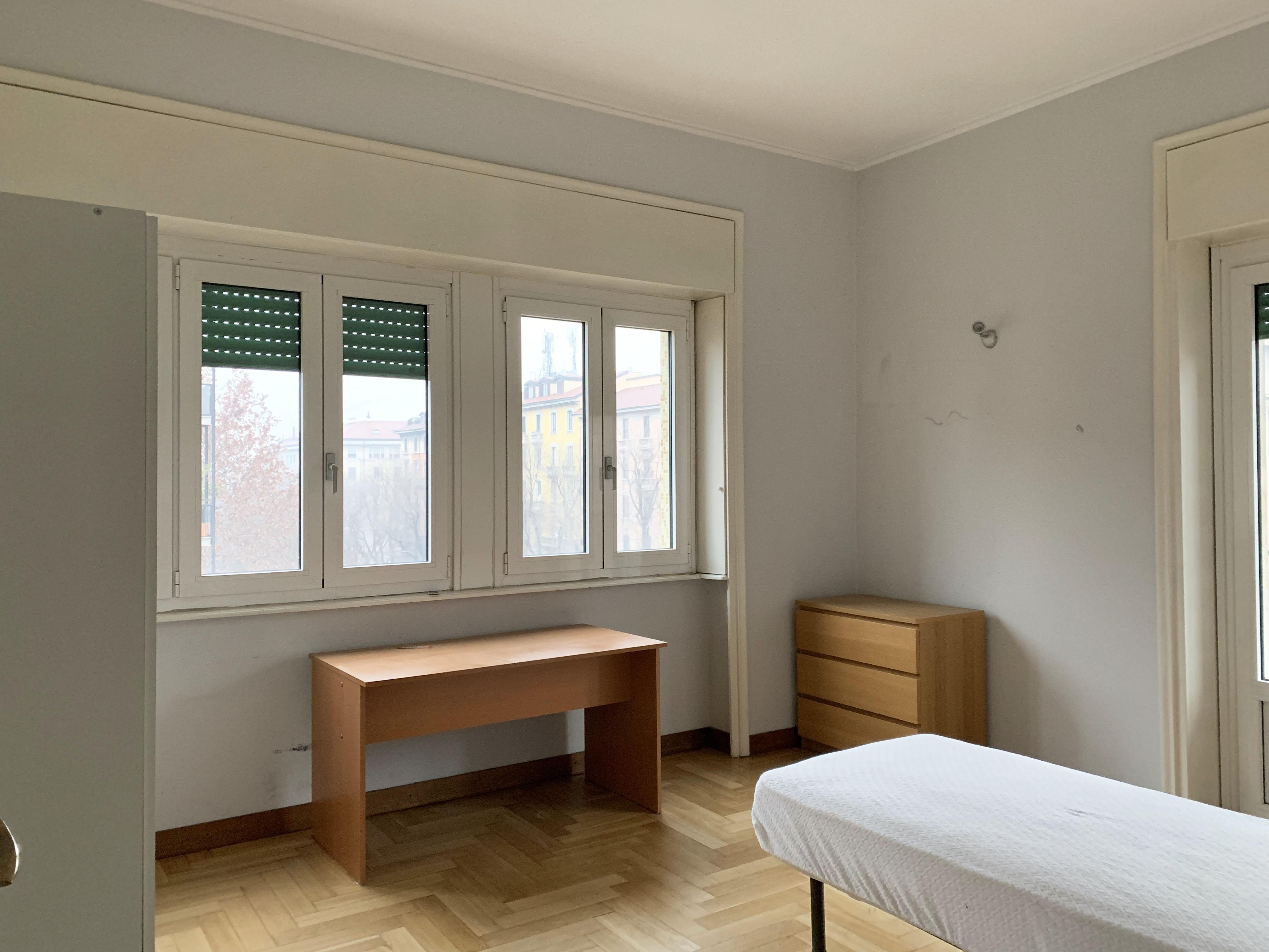 appartamento Bocconi, arredato con 4 camere da letto