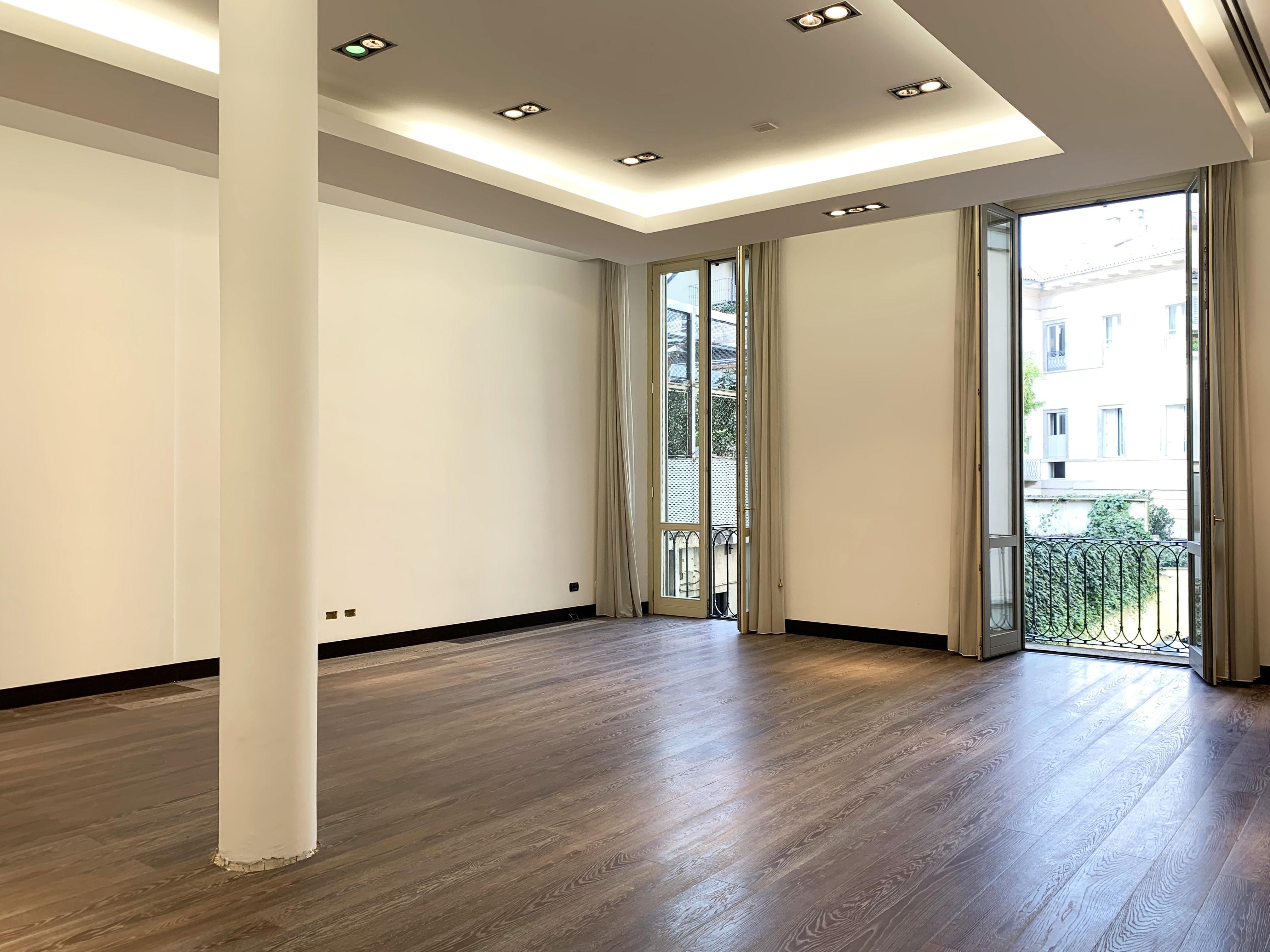 San Babila: elegante show-room – ufficio