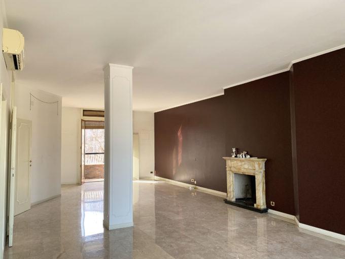 City Life: signorile appartamento piano alto con box