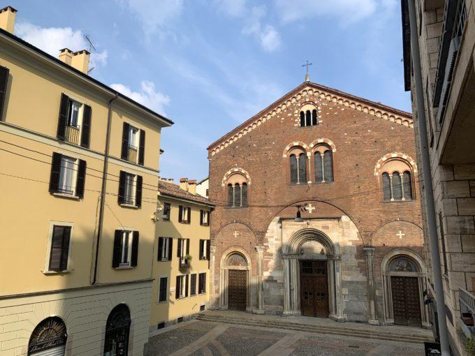 trilocale con balconi su Piazza San Simpliciano