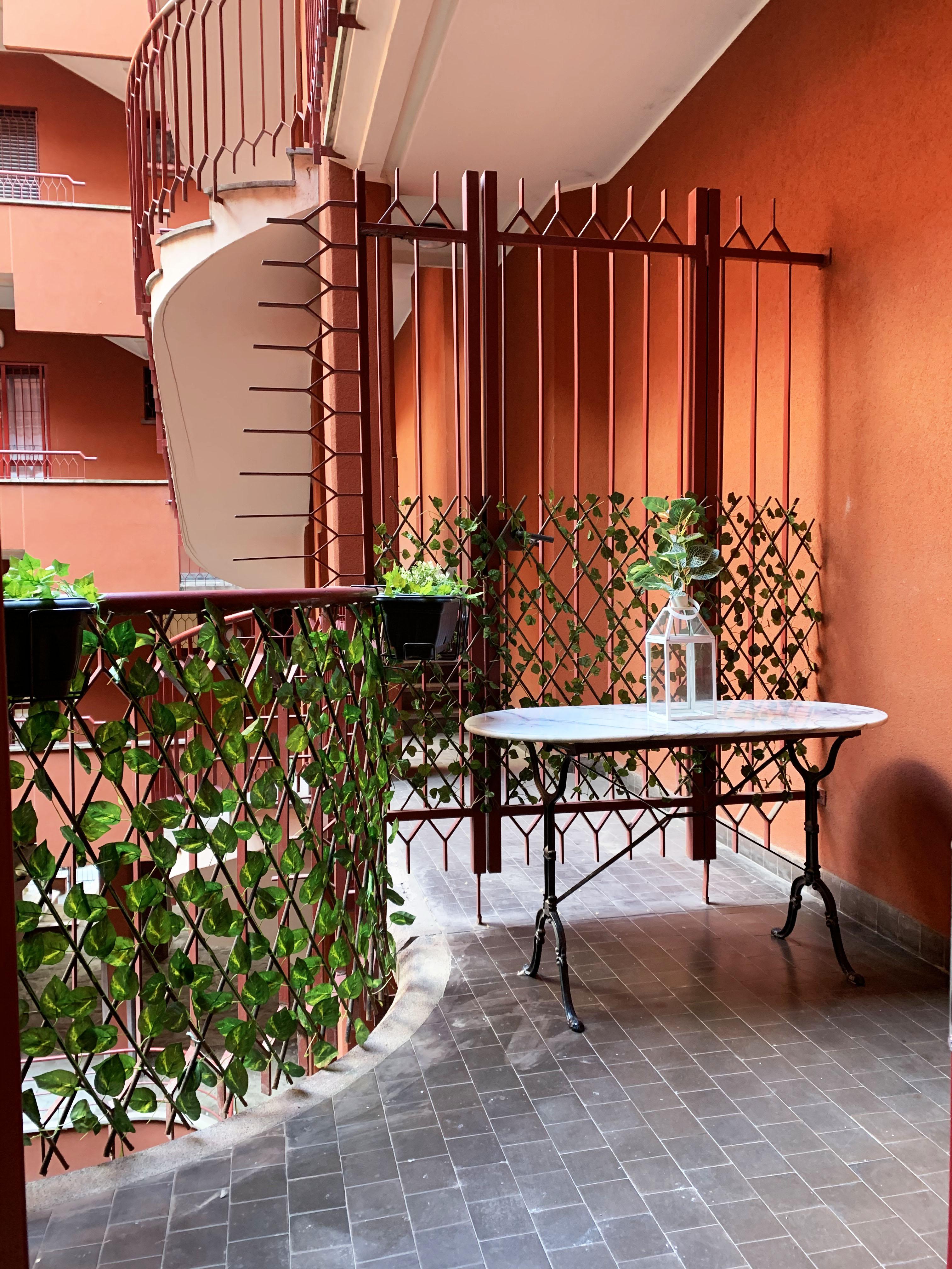 5 Giornate: bilocale arredato con terrazzo